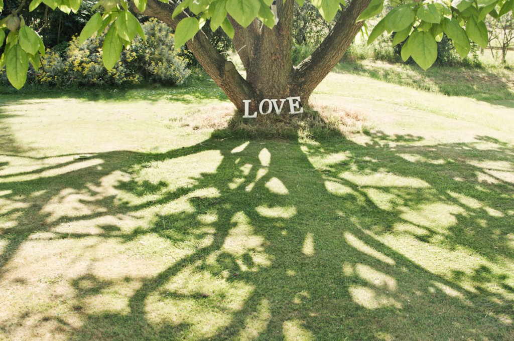 essex Wedding photography Love sign